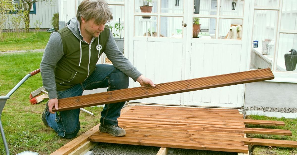 Lataa rakennusohjeet ja katso, miten rakennat laiturin