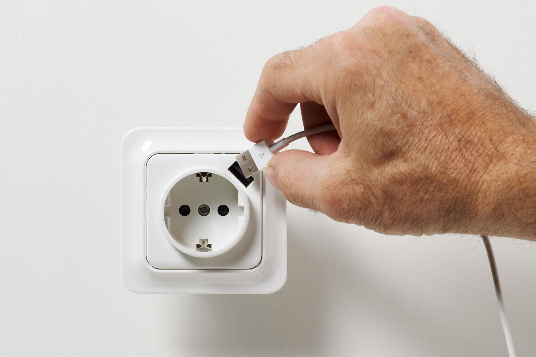 KOPPLA USB laddare med 3 portar IKEA Du kan ladda upp till 3