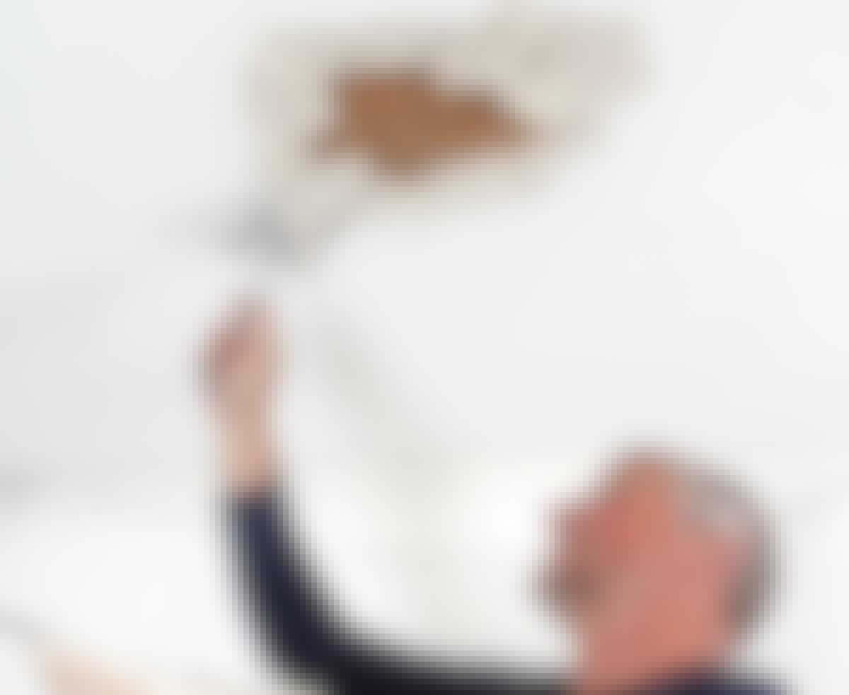 Så nemt reparerer du et hul i loftet