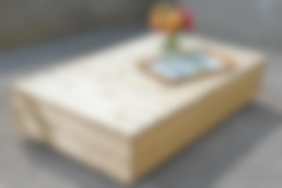 Bordet er tænkt som både bord og som en mobil del af dobbeltsengen.