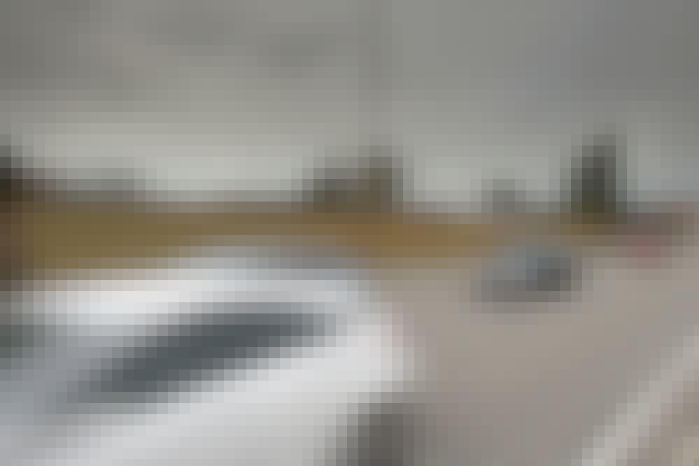 Støjhegn: Byg et støjhegn og slip for larmen fra vejen