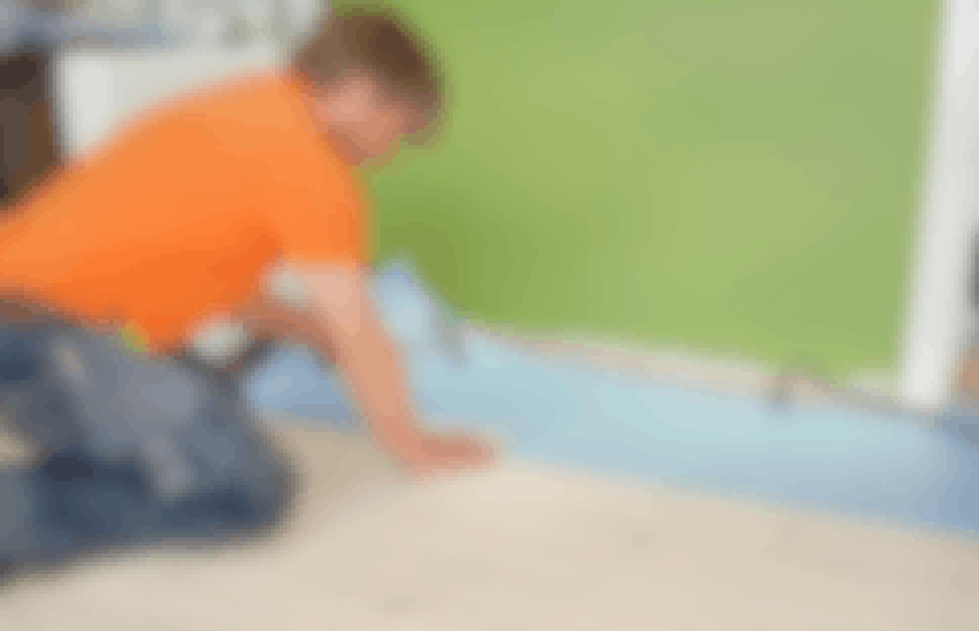 Varm beton under plankegulvet