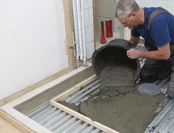 Støb selv gulvet - Sådan støber du gulv på badeværelset | Gør Det Selv