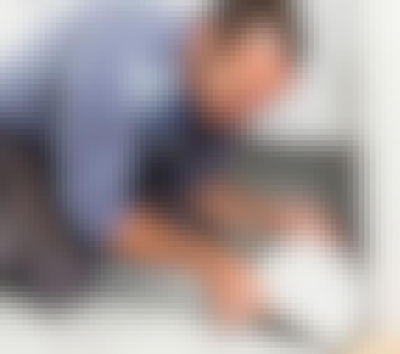 VIDEO: Knækket gulvflise