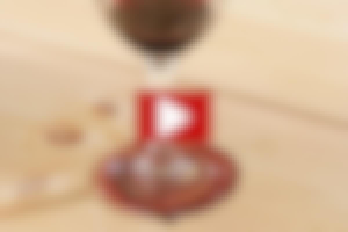 VIDEO: Fjern rødvinsflekken