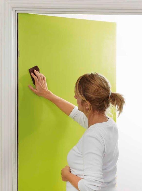 Släta ytor konsten att måla en dörr Gör Det Själv