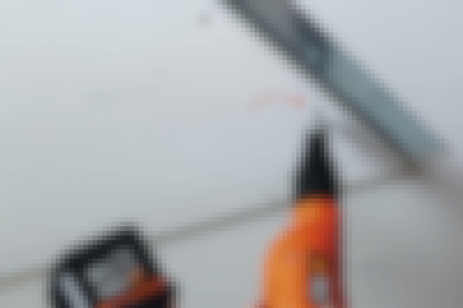 Dampspærre: Brug dampspærreklæber eller -tape til at tætne dampspærren