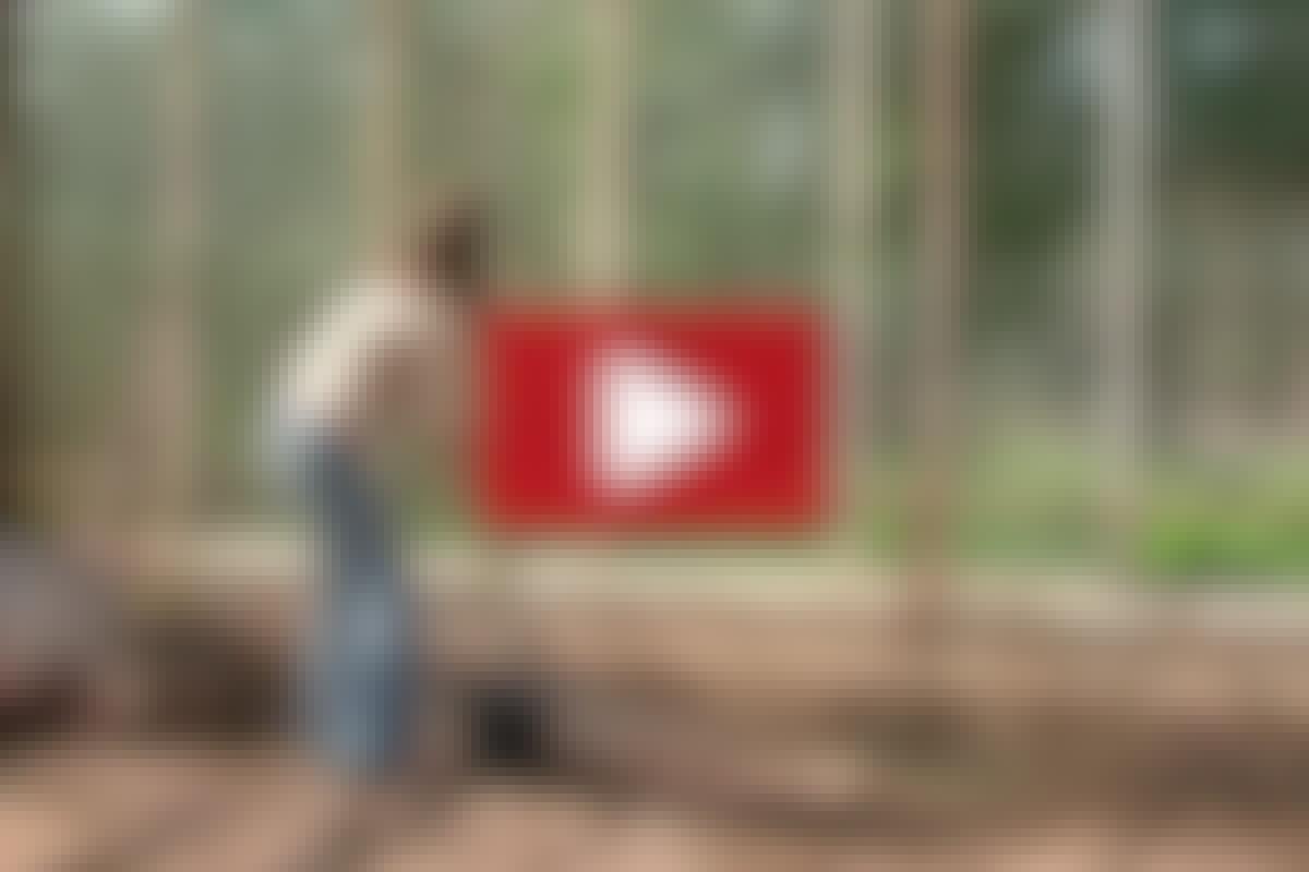 DRIVHUS: Gør drivhuset klar til en ny sæson