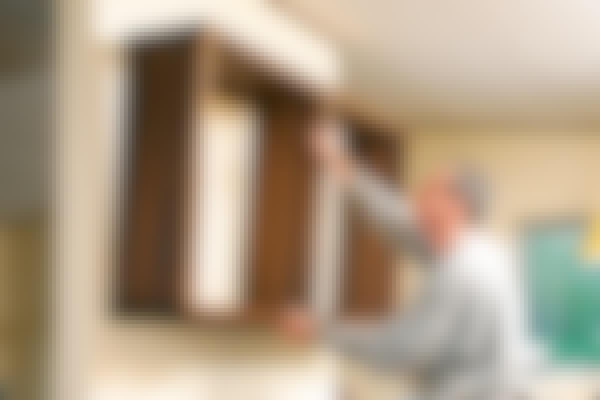 KESTÄVYYS on keittiökaappien kiinnikkeiden tärkein ominaisuus. Parhaat kiinnikkeet ovat sekä lujia että hienovaraisia.