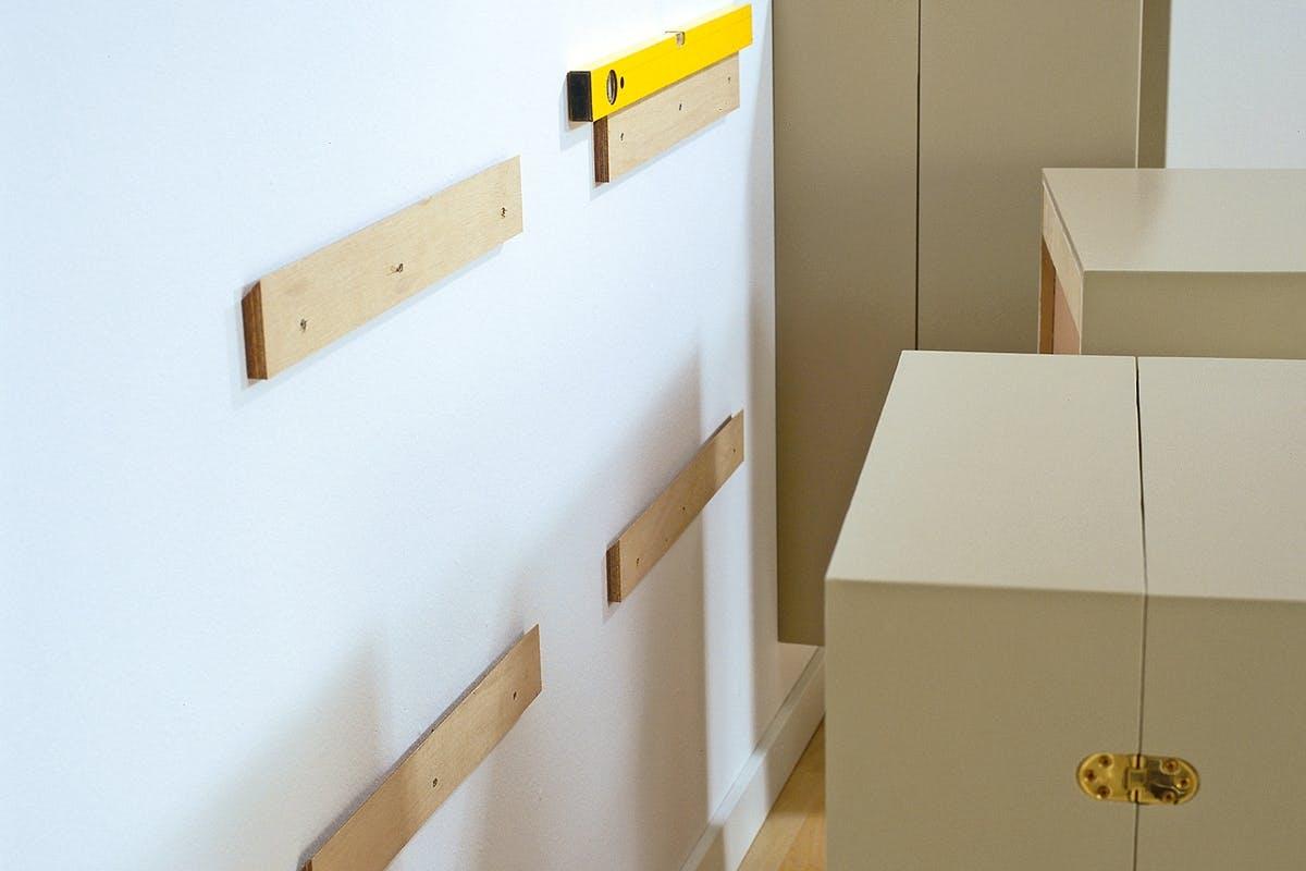 Topnotch Heng opp skap og hyller på veggen | Gjør Det selv TE-66