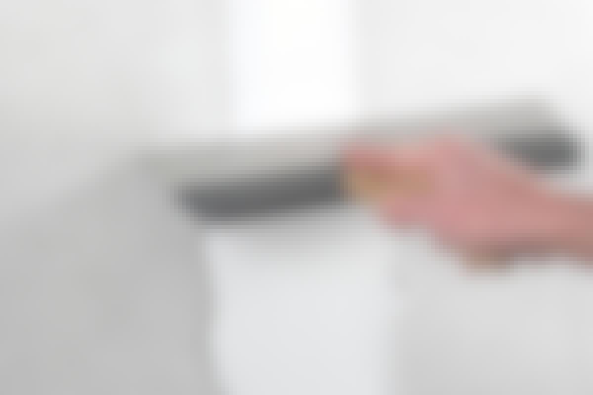 PERFEKT: Er skjøten mellom gipsplatene sparklet riktig, blir den usynlig når du maler veggen.