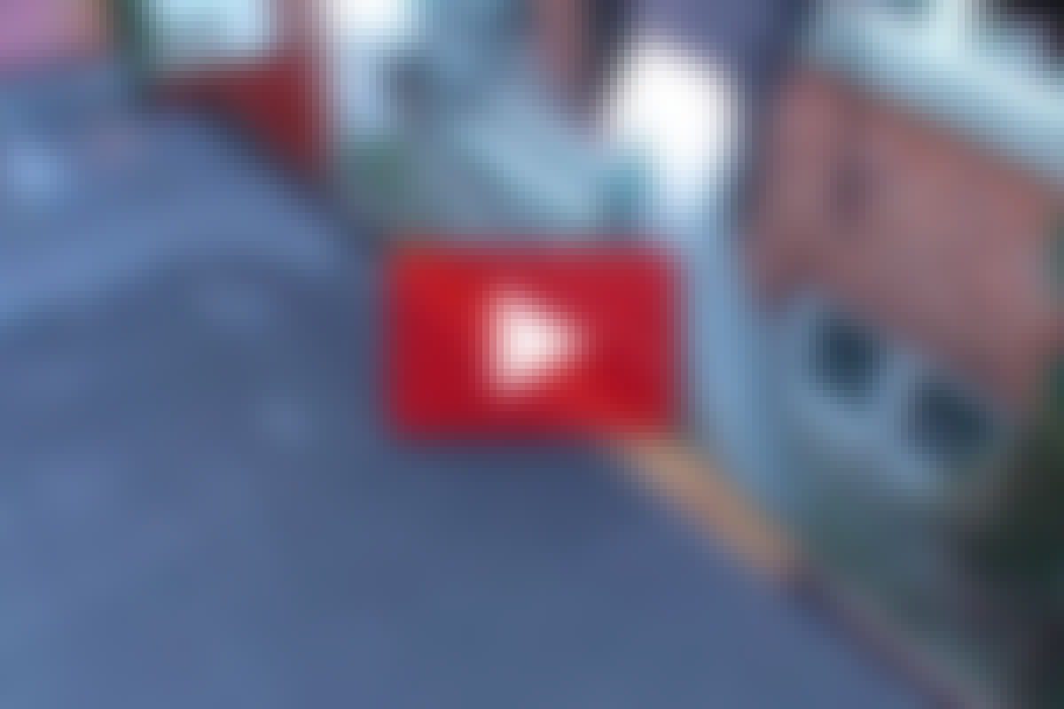 TAGDÆKKER-TIP: Beskyt tagrenden med et bræt