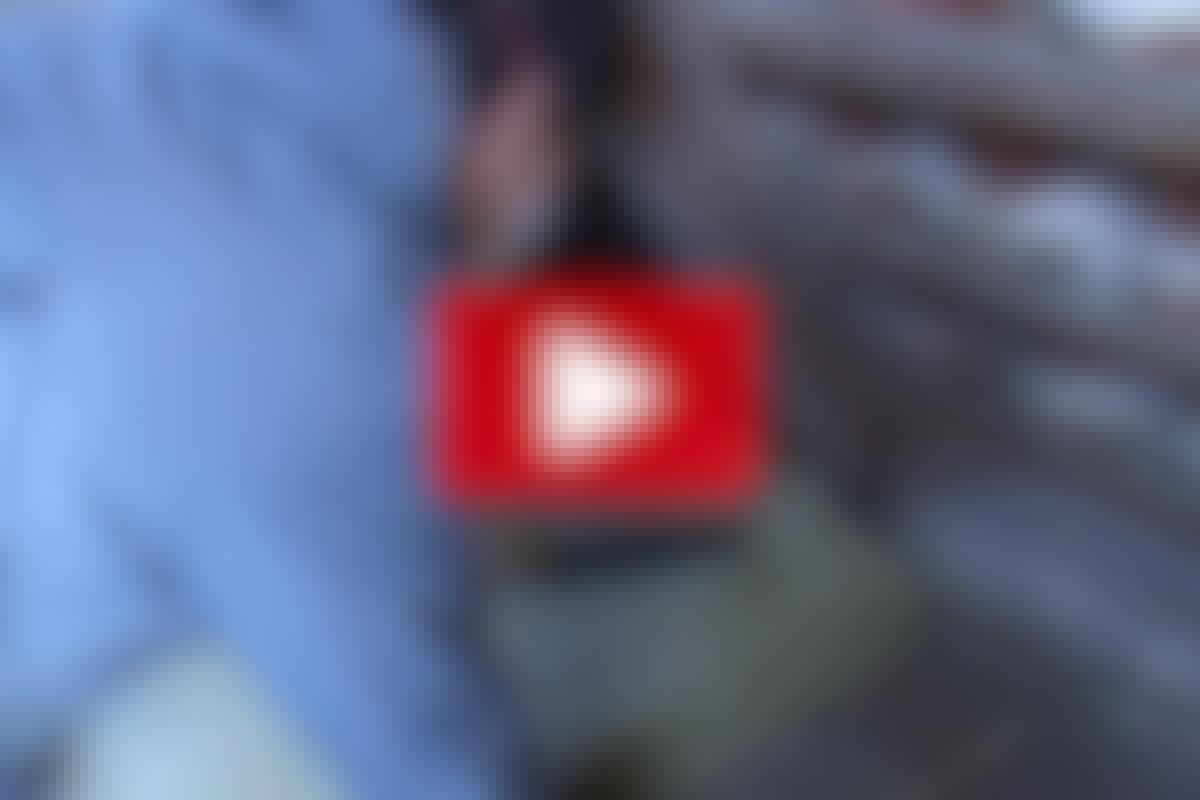 ISOLERINGS-TEKNIKK: Steinull på loftet