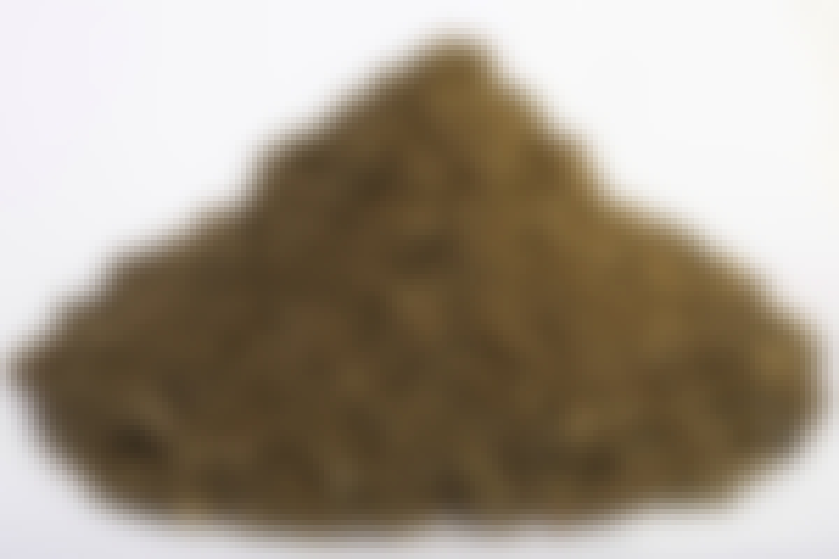 **STØPESAND/TILSLAG Kornstørrelse: 0-11 mm** Støpesand, eller tilslag som er faguttrykket, brukes når vi skal blande betong. Det skal bare tilsettes sement og vann. Tilslaget kan være både 0-8, 0-11 og 0-16 mm, i både natursand og knust stein.