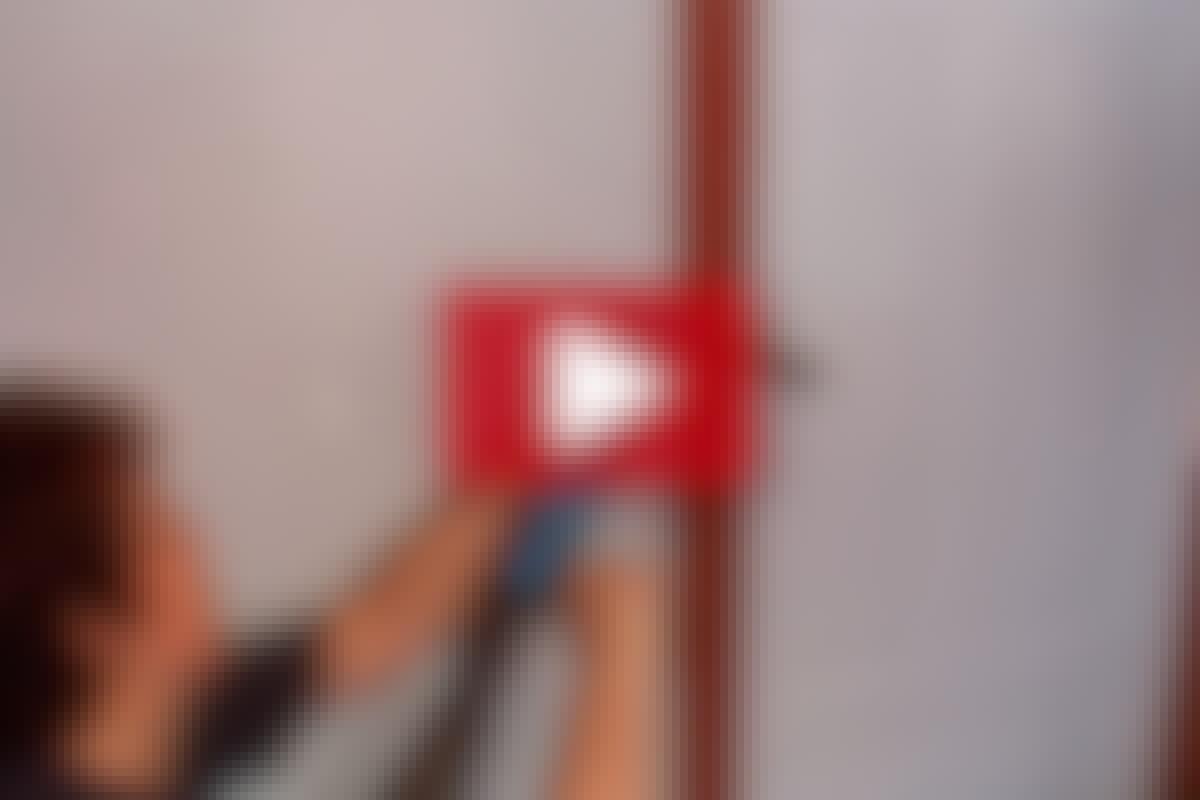 VIDEO: Korjaa karmin ja seinän rako