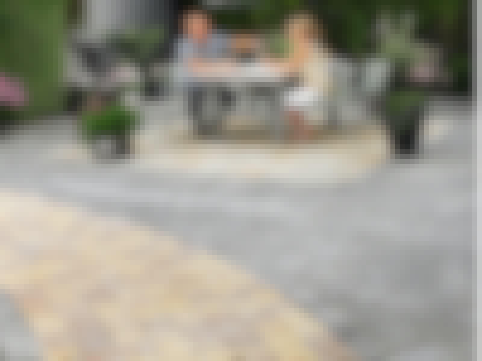 Fliser i gårdhave terrasse flisemønster
