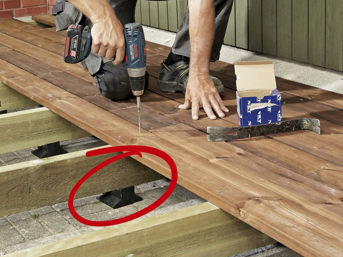 Trädäck ovanpÃ¥ plattorna – sÃ¥ här bygger du det   Gör Det Själv : bygga trädäck kostnad : Inredning