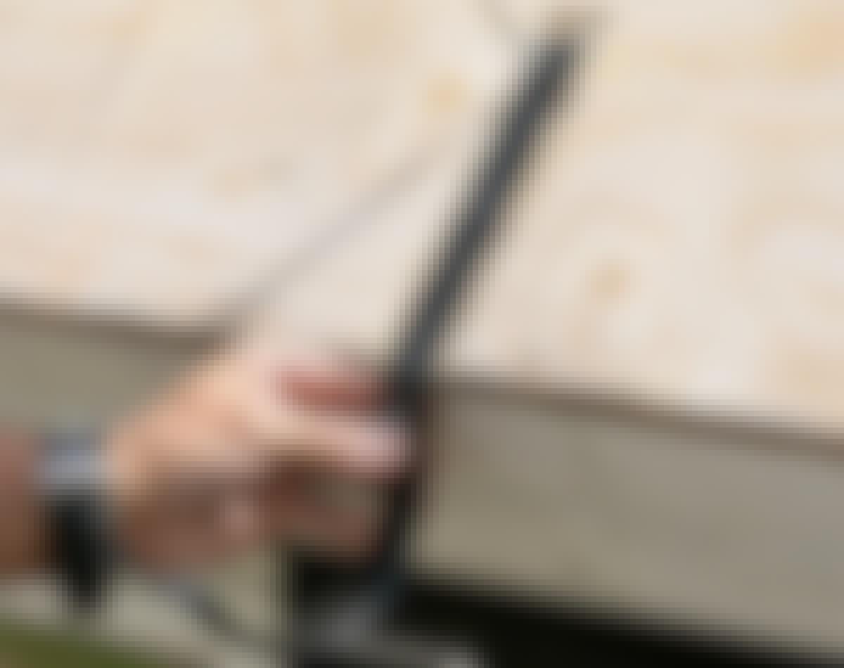 Rendejern skal sidde fast i tagkonstruktionen under tagbelægningen.