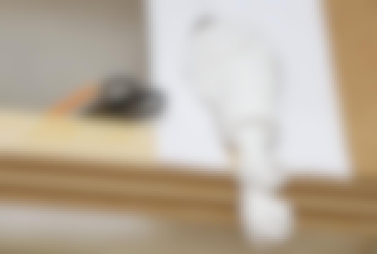 Skabelonen viser formen, som så kan tegnes af på den plade, væggen beklædes med.