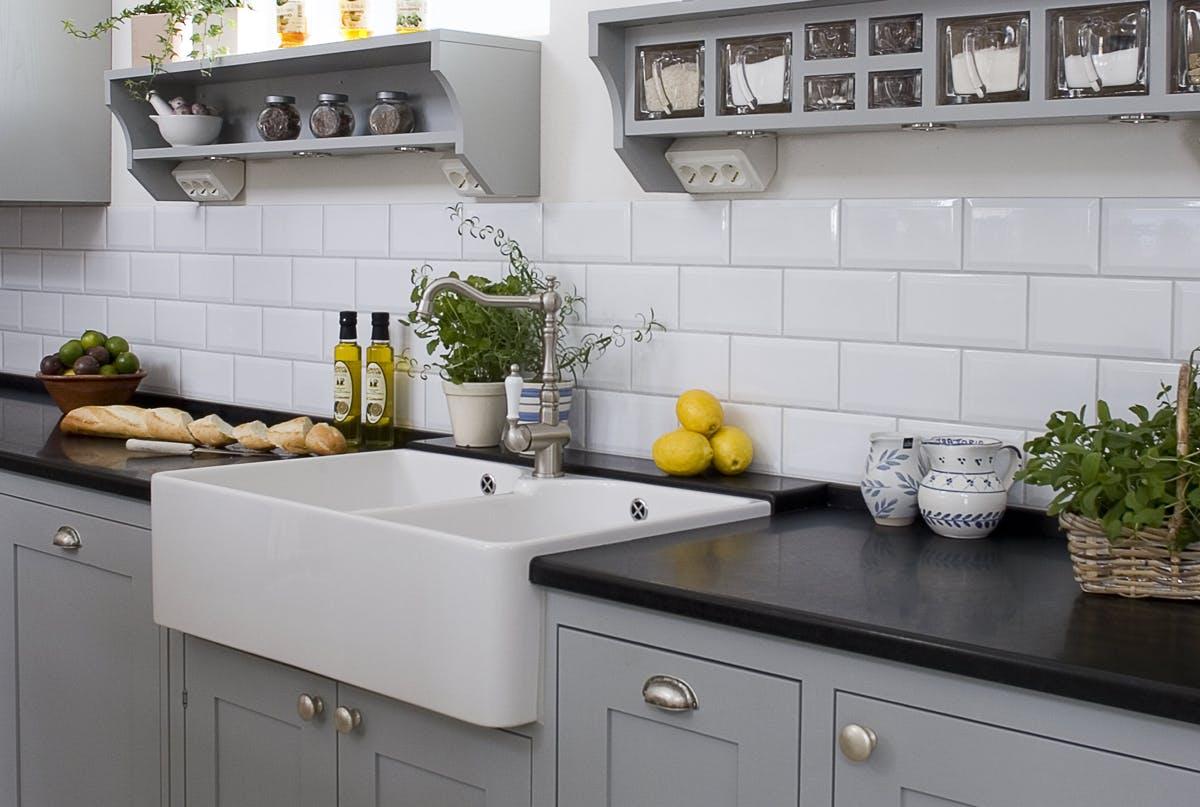 køkken fliser Rengøring: Hvordan fjerner jeg fedt fra køkkenfliser? | Gør Det Selv køkken fliser