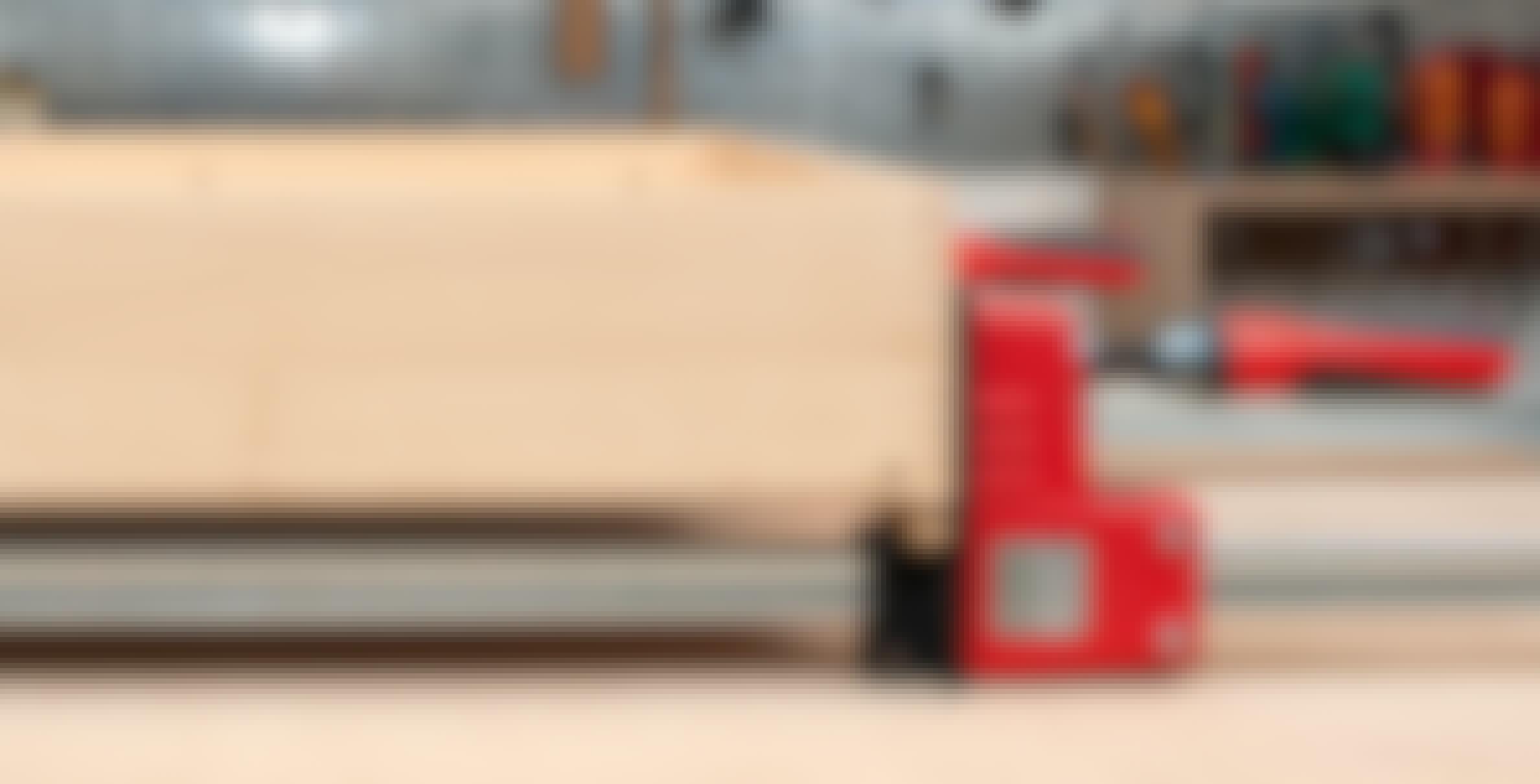Hvad er fordelen ved tvinger med parallelle kæber?