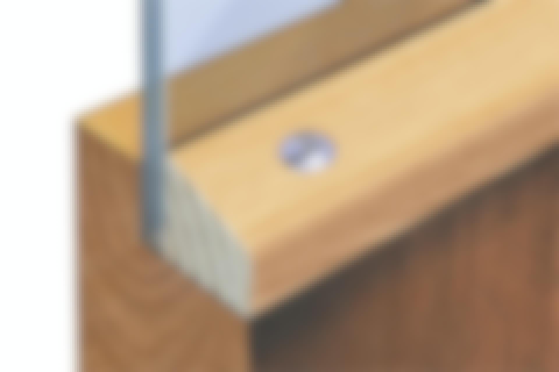 Hvordan sikrer jeg kjellerdøren mot innbrudd?