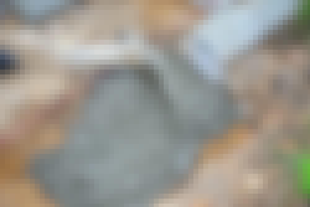 Maakostea betoni: Näkyvät reunakivet