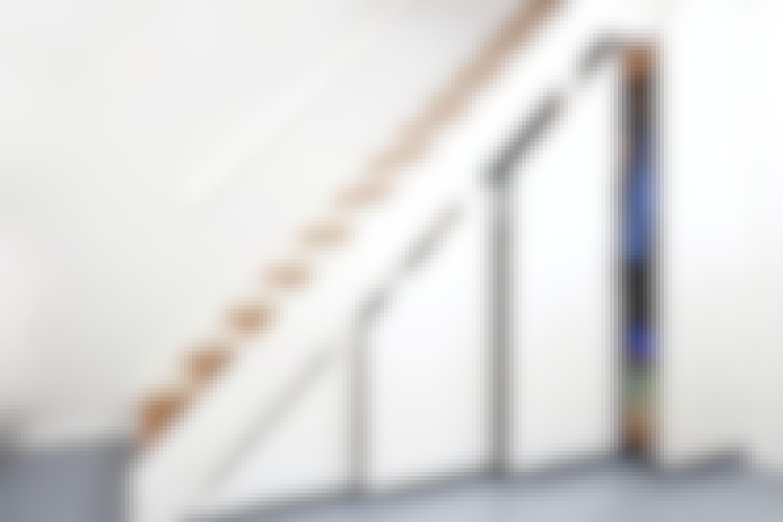 Bygg smart skåp under trappan