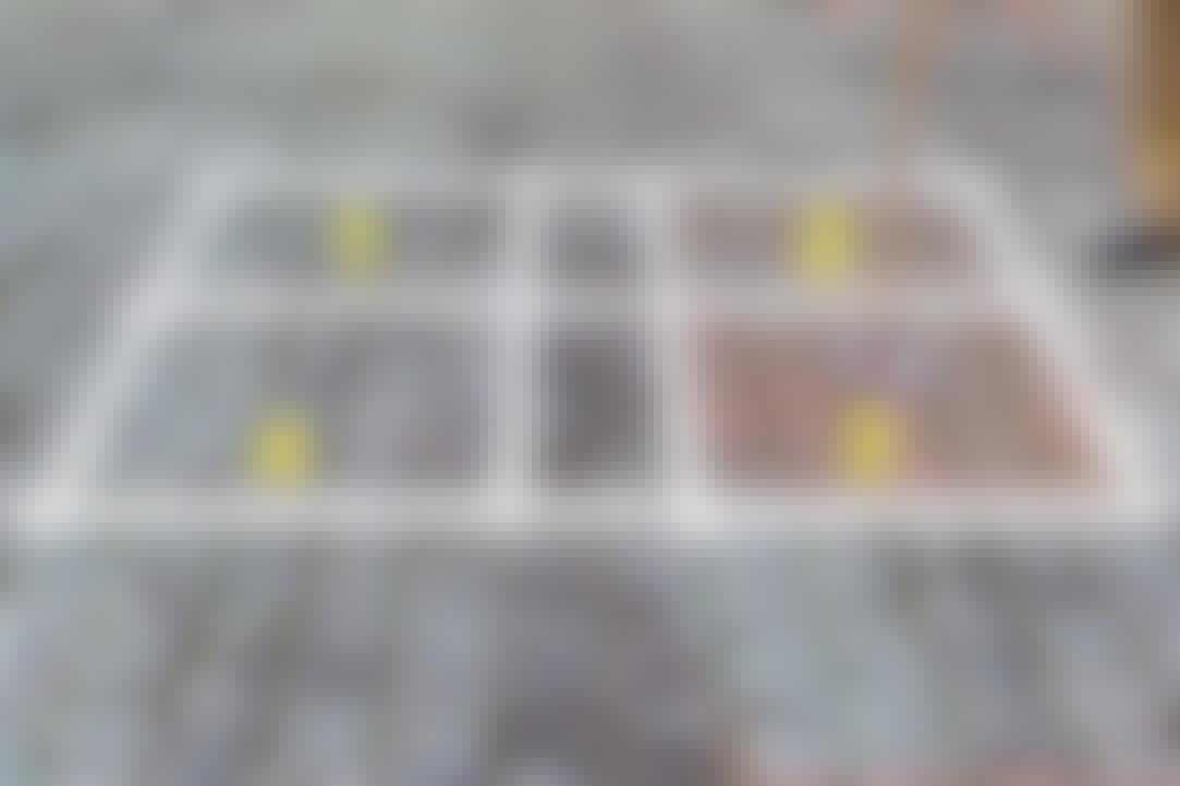 TESTOMRÅDET: <br> 1. Kost og sand <br> 2. Terrassevasker <br> 3. Fliserens <br> 4. Brun sæbe