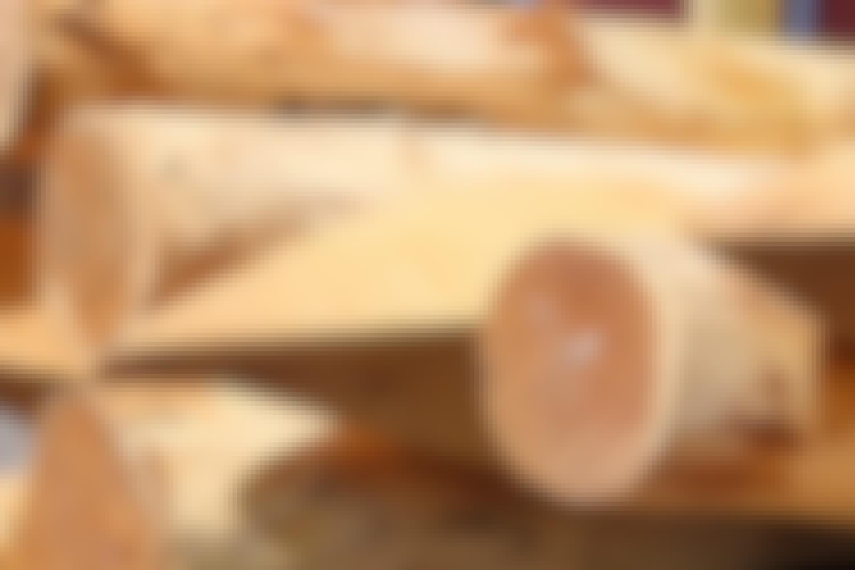 Stolper: Gjerdestolper i eiketre