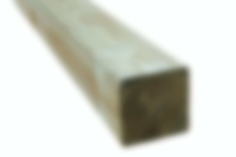 Stolper: Gjerdestolper i trykkimpregnert furu