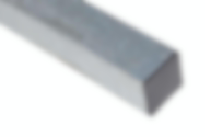 Stolper: Gjerdestolper i stål