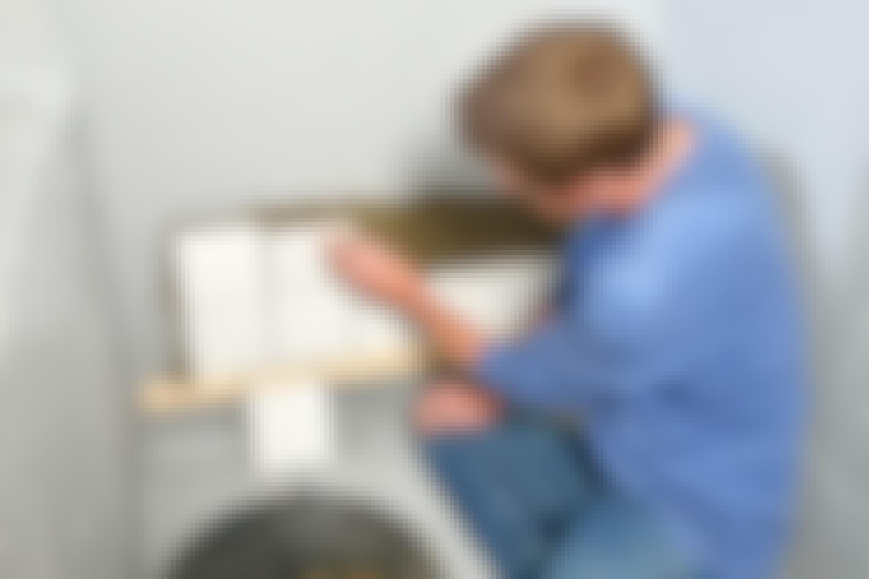Med korrekt vådrumssikring og omhyggeligt monterede fliser er brusenichen klar til brug.