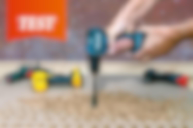 TEST: Vi tester seks små, men sterke skrumaskiner