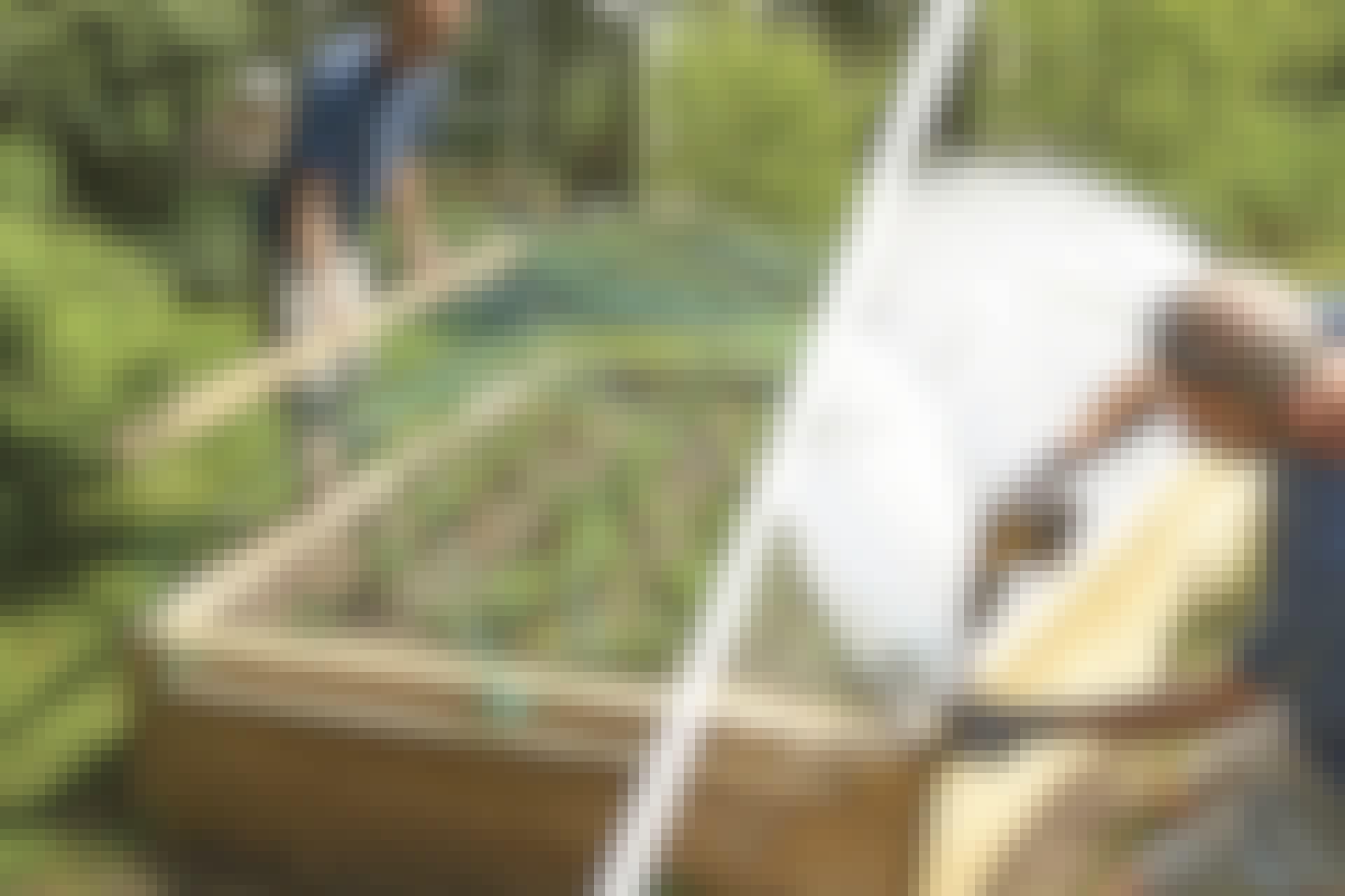 Højbed drivhus: Sådan bygger du et drivhus til højbed