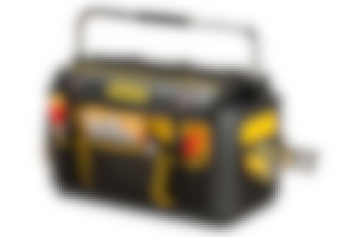 Työkalulaukun sisä- ja ulkopuolella on käteviä säilytystiloja.