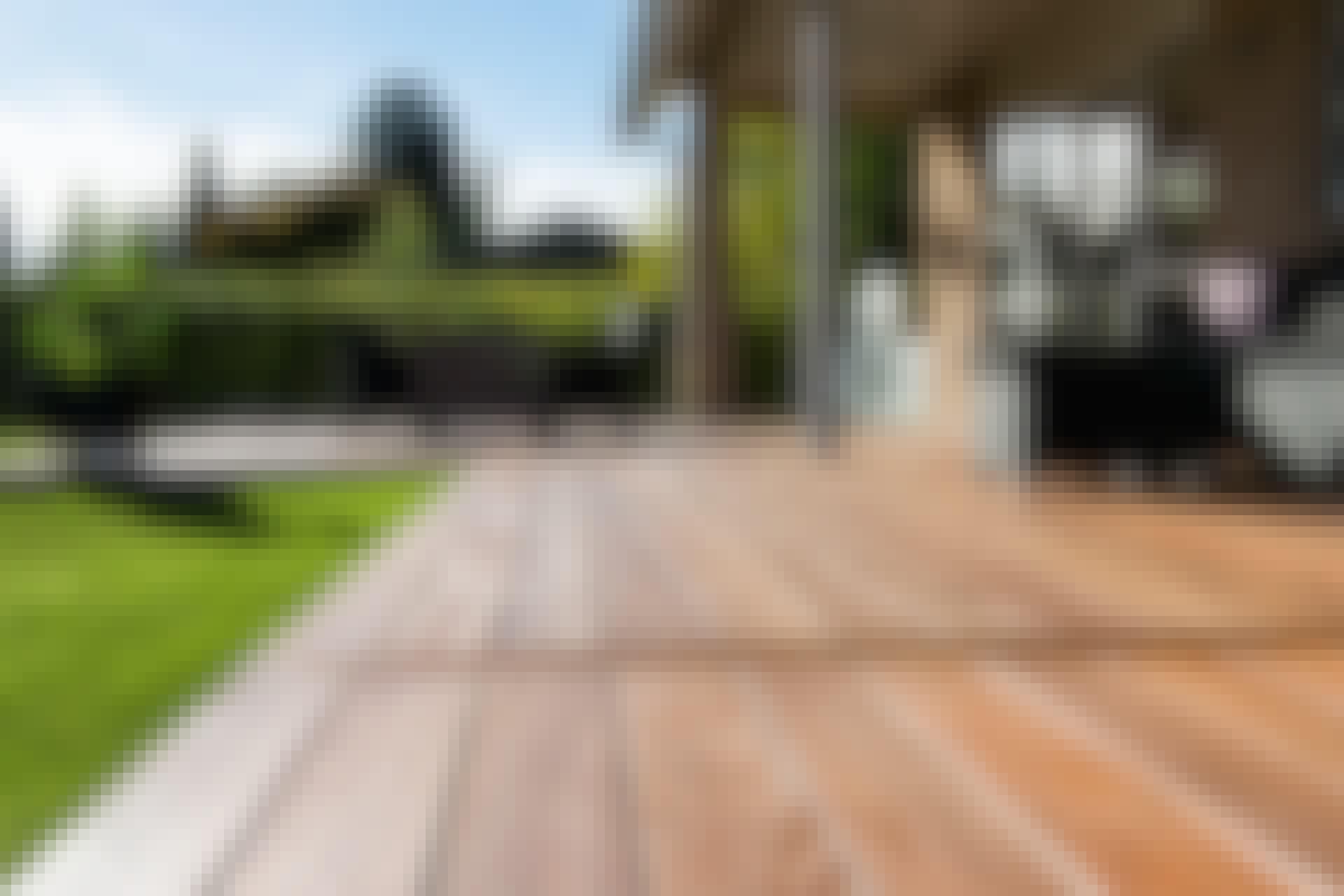 Olje eller beis på terrassegulvet: Er det forskjell?