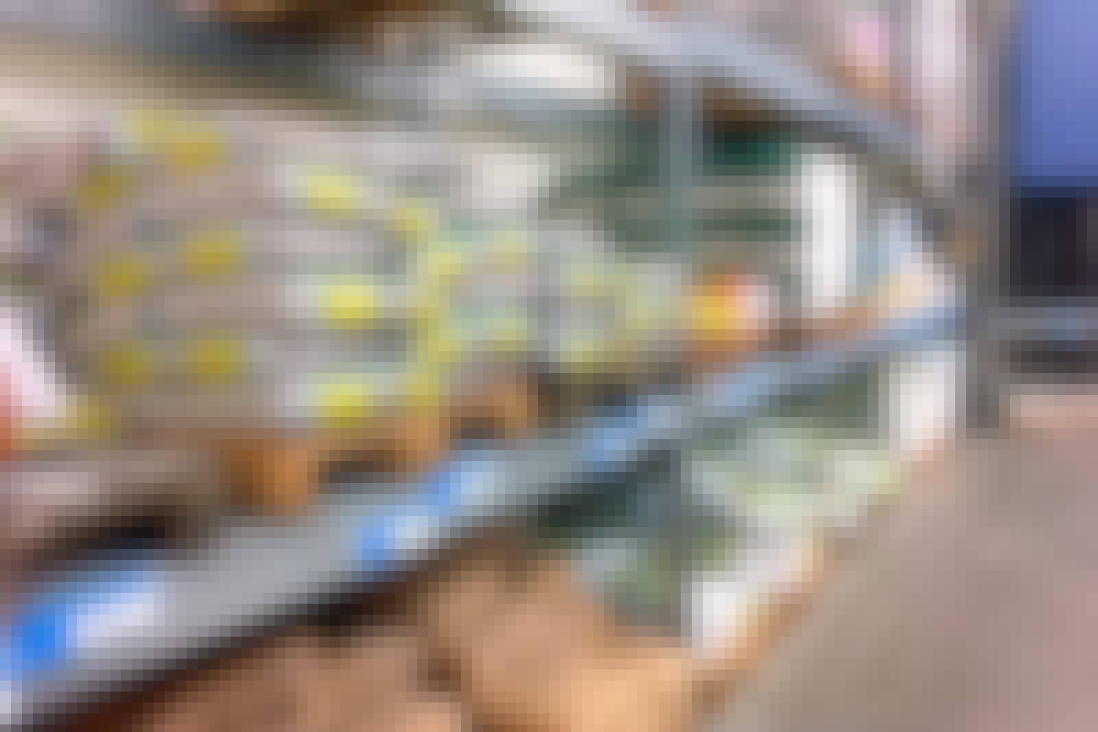 Valmis rappauslaasti: Rautakauppojen hyllyt ovat täynnä valmiita rappauslaasteja. Laasteja voi käyttää sekä ulkona että sisällä.