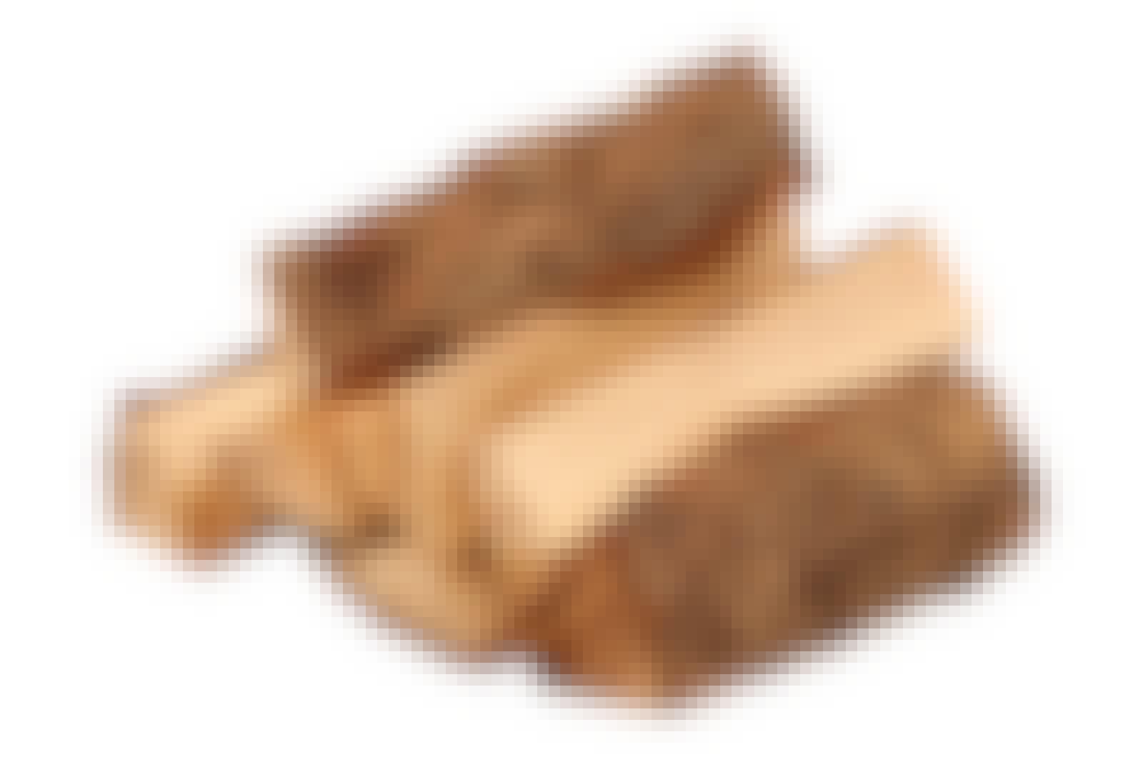 Ved til bål: Furu er godt egnet som ved til bålet.