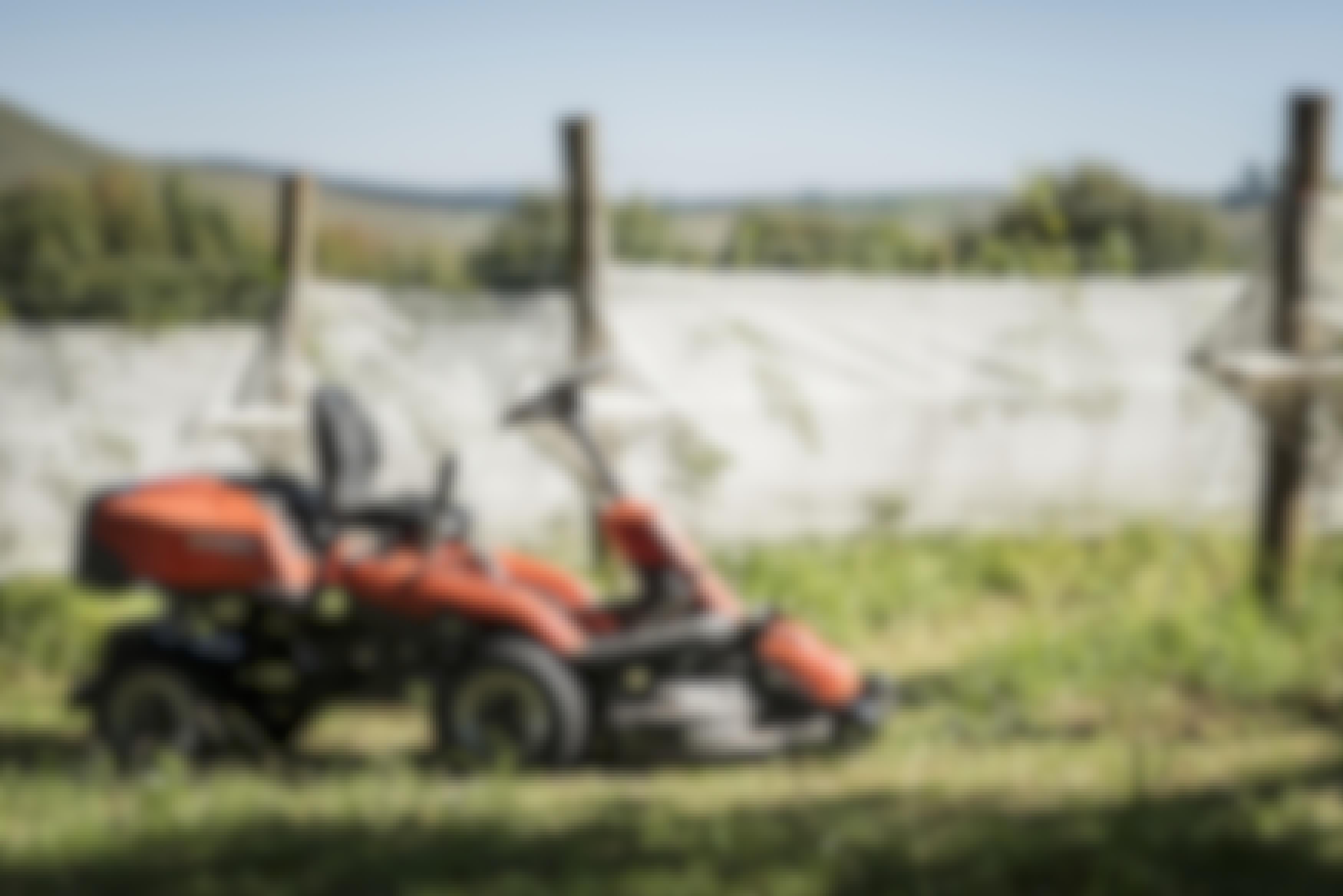 Vinn en Husqvarna trädgårdstraktor