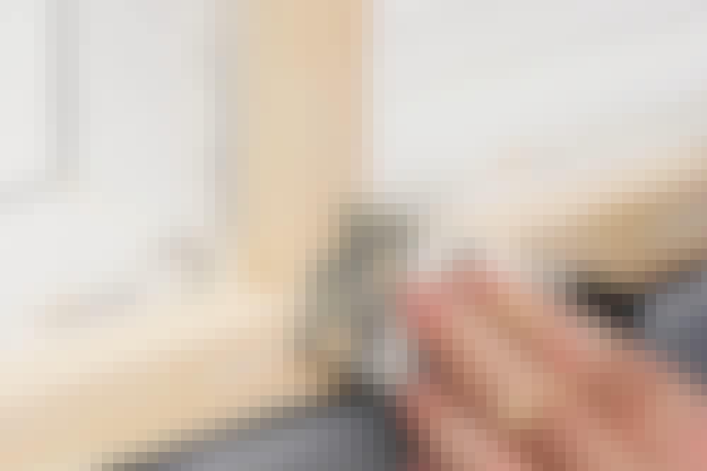 Slip og mal: Småsprekker sparkles med en sparkelmasse til utebruk