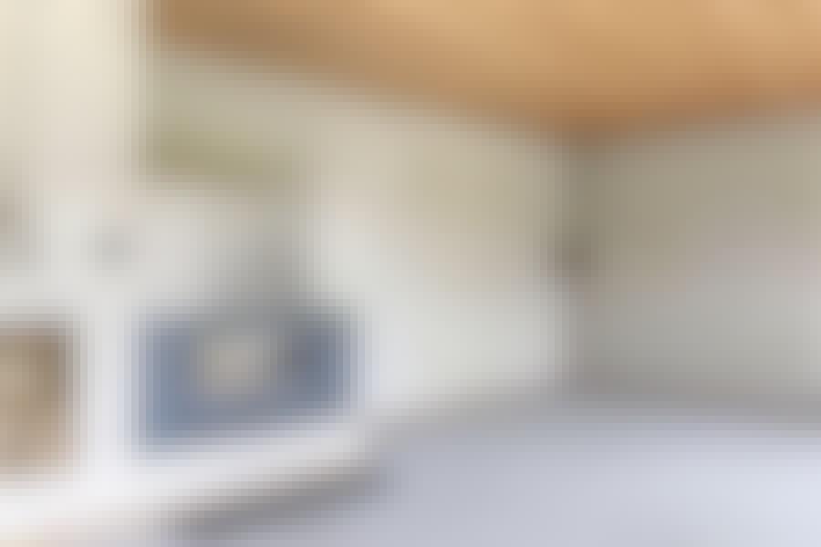 Ny stue for 10.000 kroner – slik så stuen ut før den store forvandlingen.