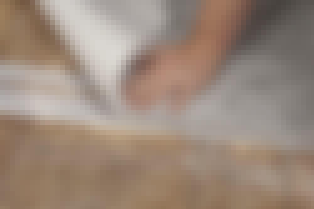 Mattomiehen vinkit: Liimaa maton reunat kunnolla kiinni oven kohdalle muutamalla pätkällä kaksipuoleista teippiä.