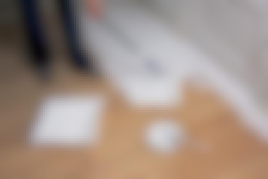 Måla trägolv: Oavsett färgval ger heltäckande golvfärg en stor förändring av rummet.