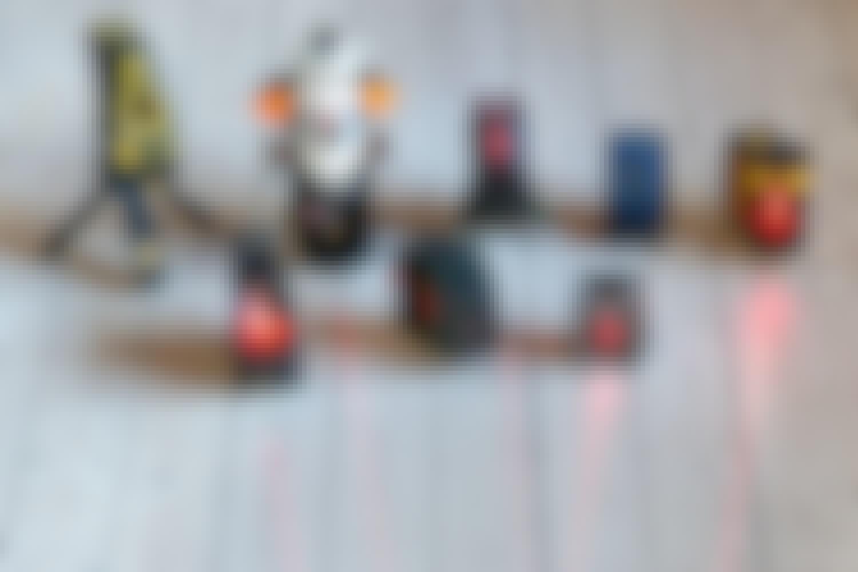 Test av krysslasere: En krysslaser gjør det lekende enkelt å henge opp bilder, tapet eller fliser på veggen.