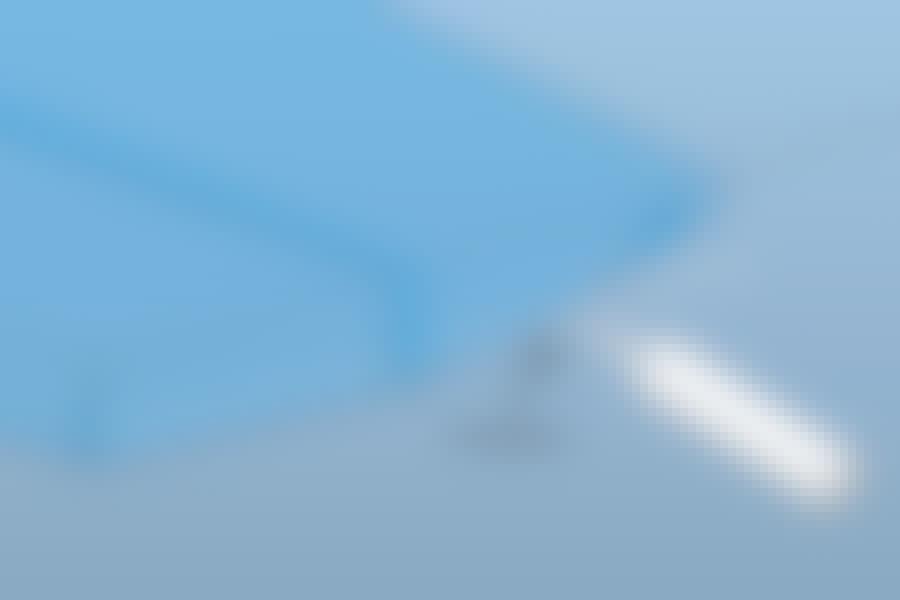 Täta ångspärrar: Ska väggen kläs med gips, kan överlappningen vara stor. Annars måste den begränsas så att folien kan skäras till längs takskivorna.