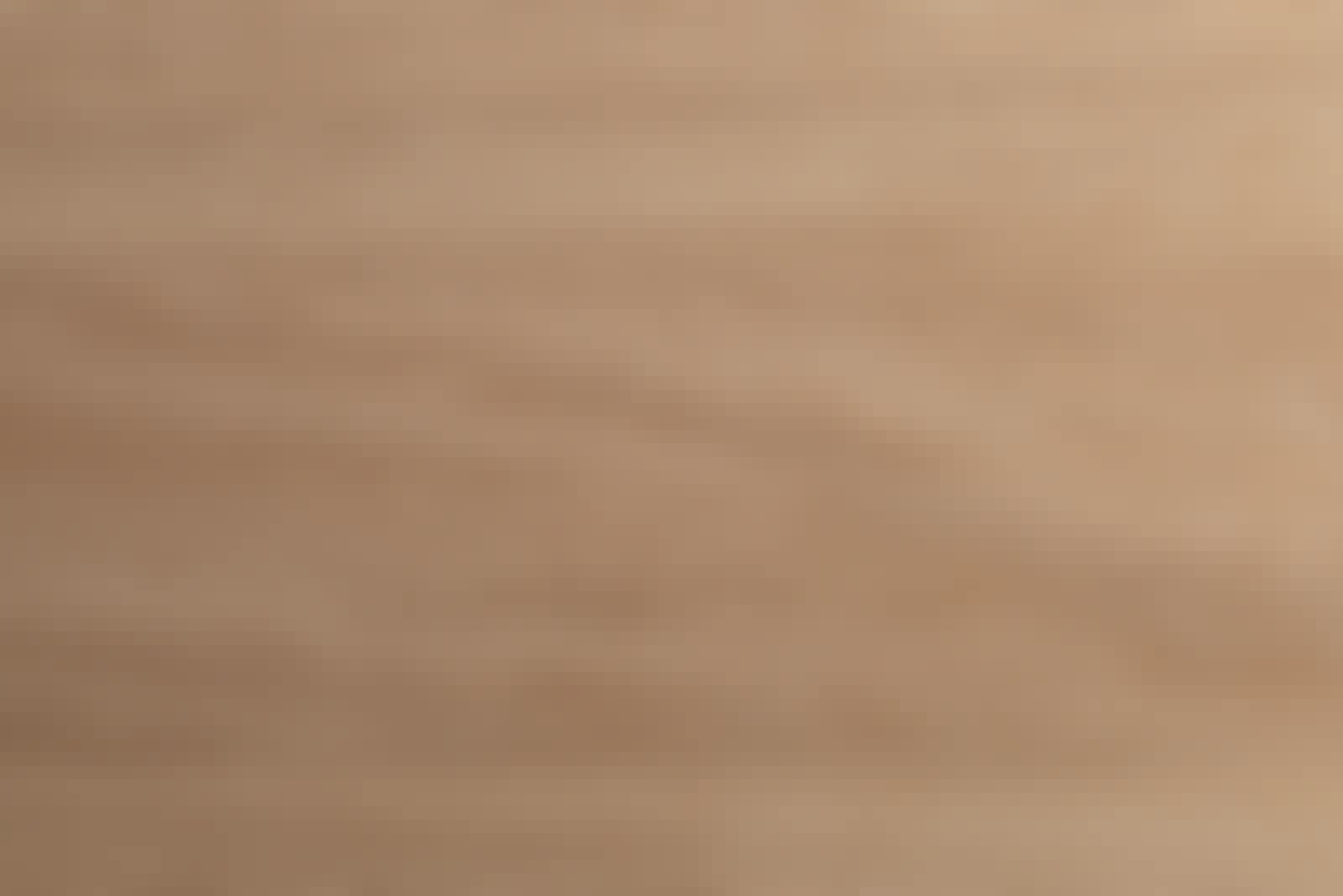 Kaupoissa on laaja valikoima eri puulajeista tehtyjä sauvaliimattuja pöytälevyjä.