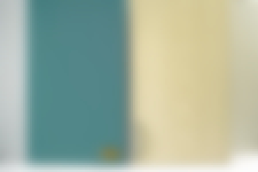 Male køkkenlåger: Når lågen har fået 2-3 lag maling og et nyt greb, er den ikke til at skelne fra en splinterny