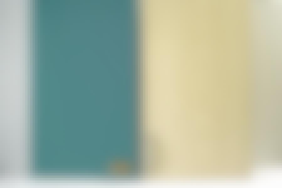 Male kjøkkenfronter: Når fronten har fått 2-3 strøk maling og et nytt grep, er den ikke til å skille fra en ny.