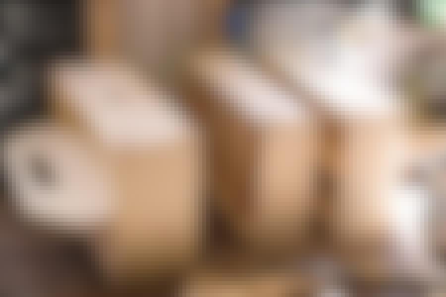 Vaerktøjskasse til at stable: Der er ingen grund til at slæbe mere end det, opgaven kræver. Værktøjskassen består af tre kasser i alt, der alle har forskellig højde.
